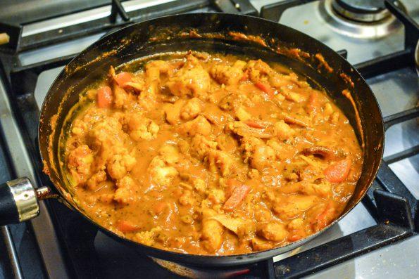 Cauliflower curry in wok