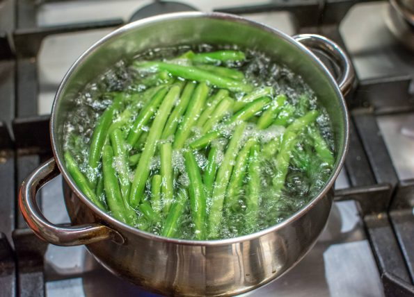 green beans in water